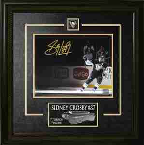 Sidney Crosby - Signed & Framed 8x10 Etched Mat  - Stick Salute