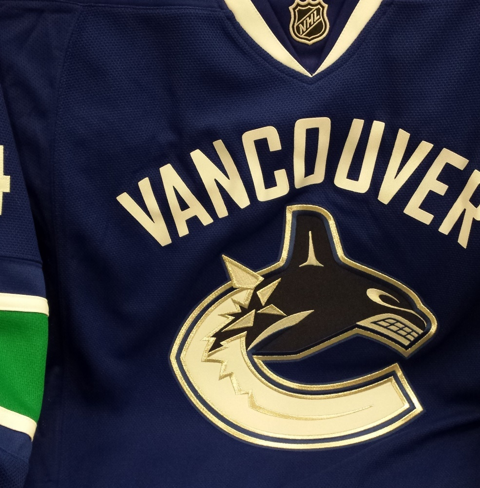 #14 Alexander Burrows Autographed, Crested and Numbered Vancouver Canucks Home Jersey