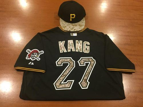 Photo of Jung Ho Kang Game-Used and Autographed Memorial Day Jersey and Cap