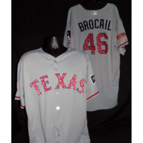 Photo of Doug Brocail 2017 Game-Used Stars and Stripes Jersey