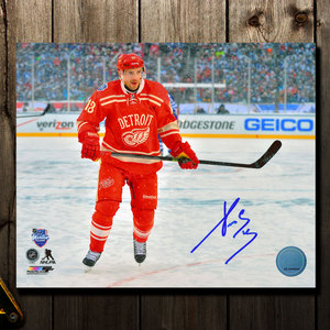 Pavel Datsyuk Detroit Red Wings 2014 Winter Classic Autographed 8x10