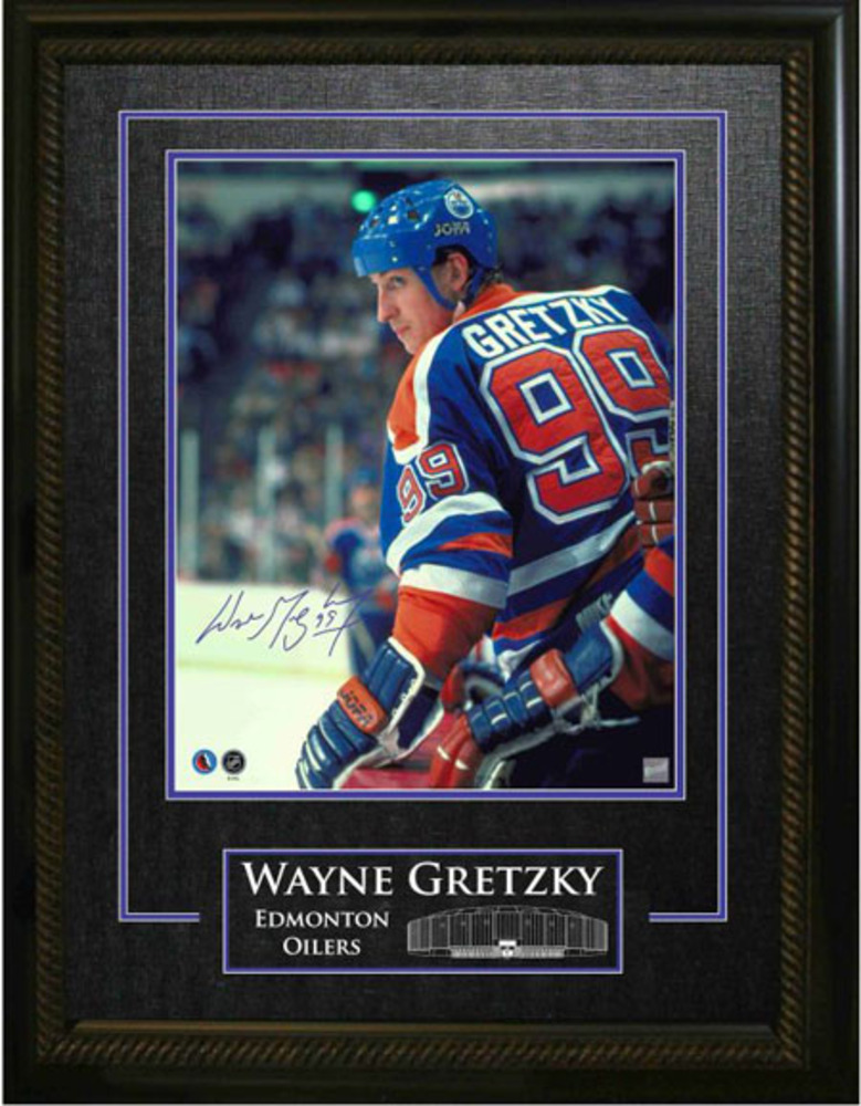 Signed and Framed Wayne Gretzky 16