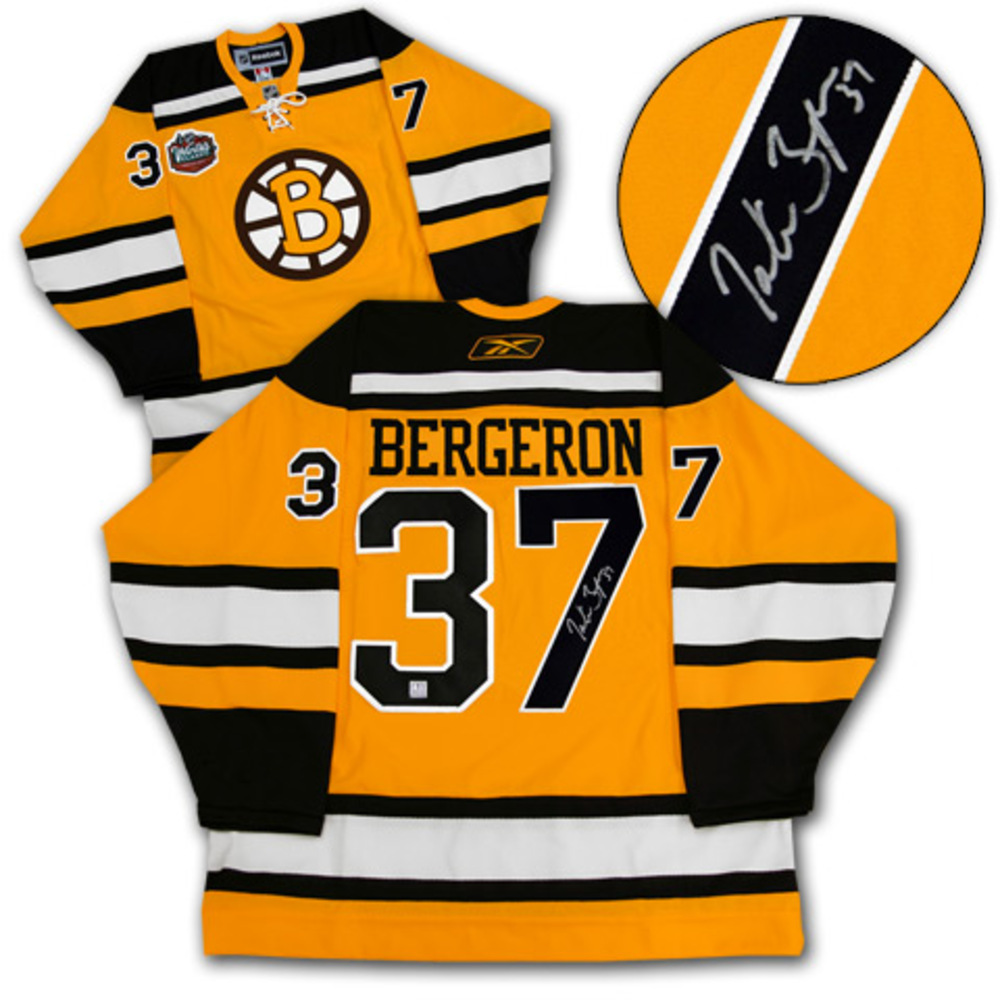 PATRICE BERGERON Boston Bruins SIGNED Winter Classic Jersey