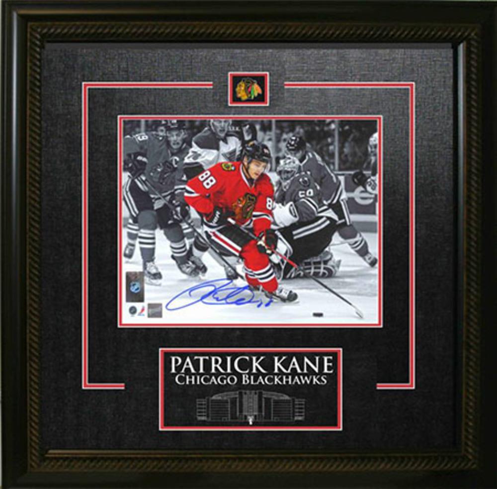 Patrick Kane - Signed & Framed 8x10 Etched Mat - Blackhawks Colour Highlight