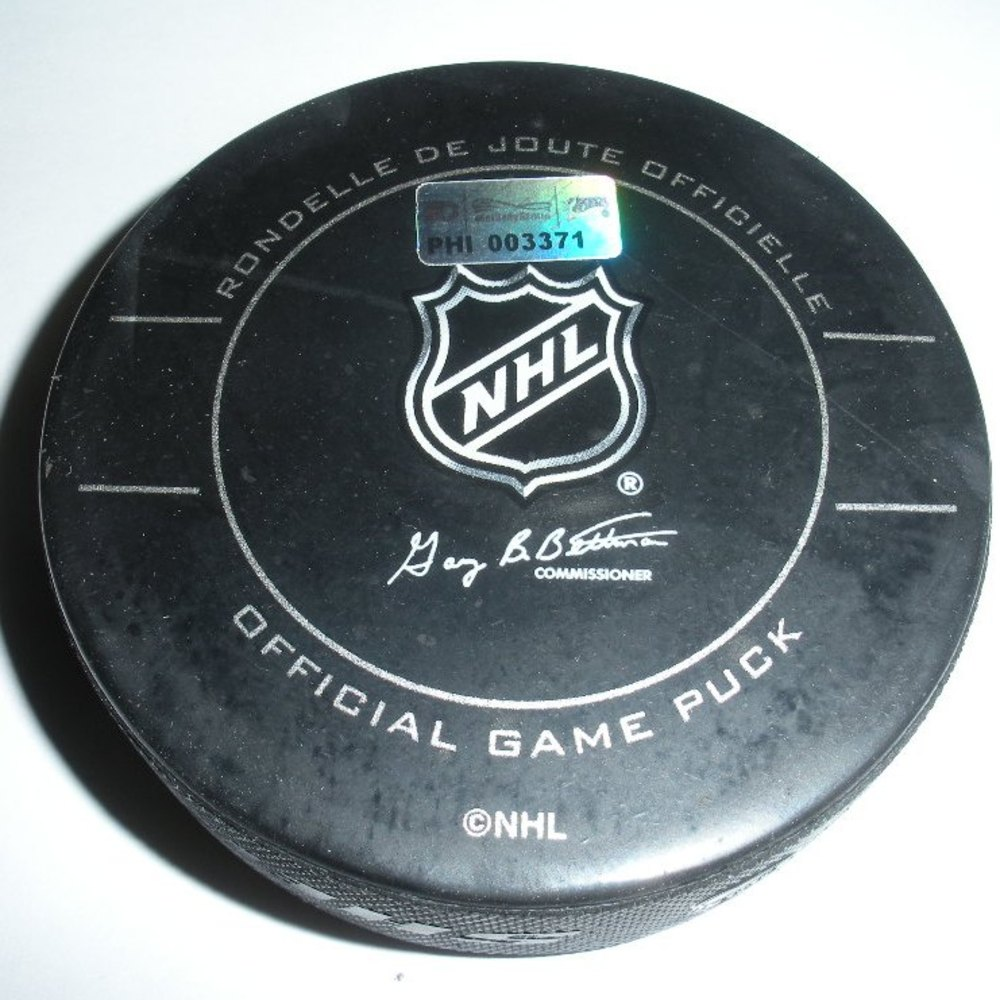 David Clarkson - New Jersey Devils - Goal Puck -November 16, 2009 (Flyers Logo)
