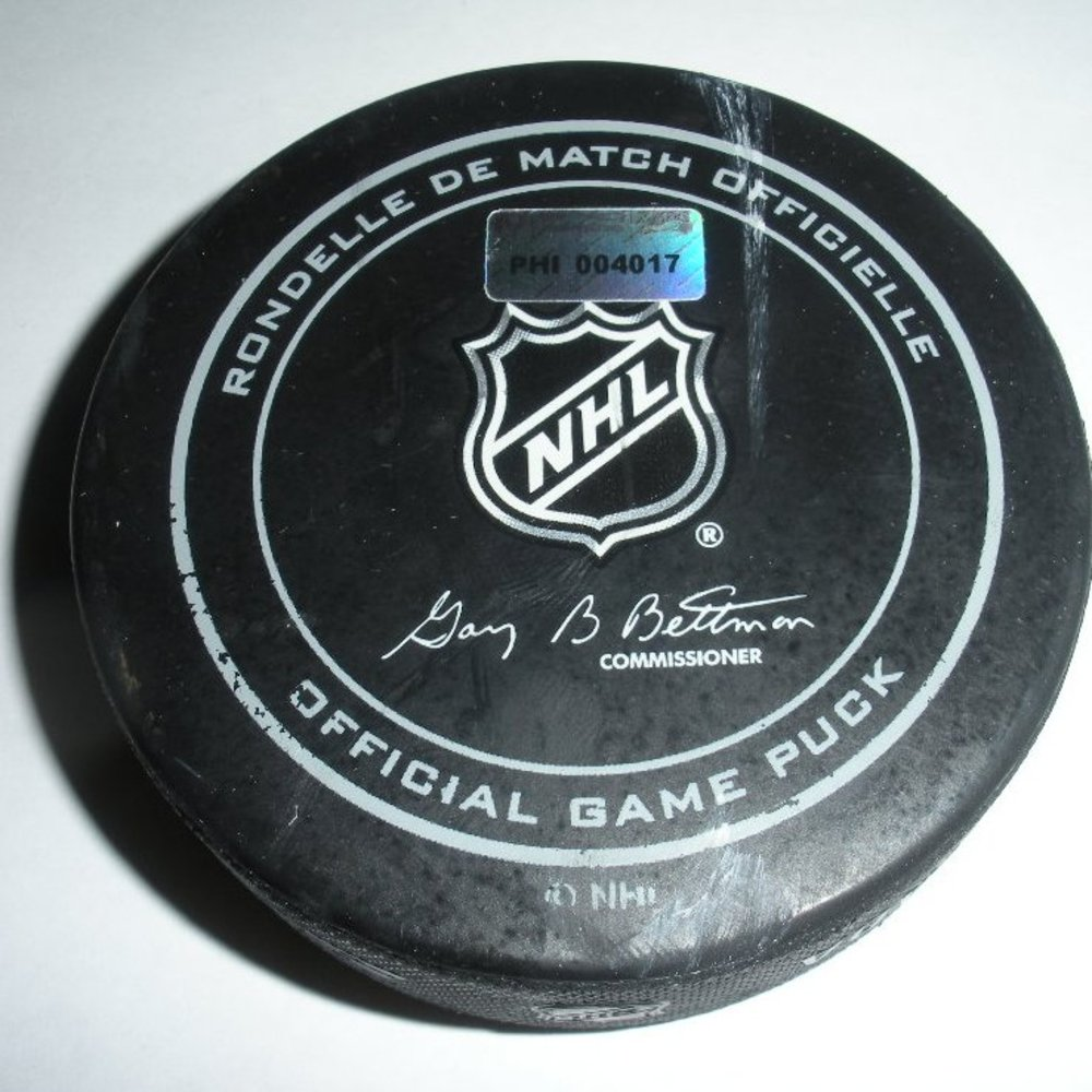 Justin Williams - Los Angeles Kings - Goal Puck - March 24, 2014 (Flyers Logo)