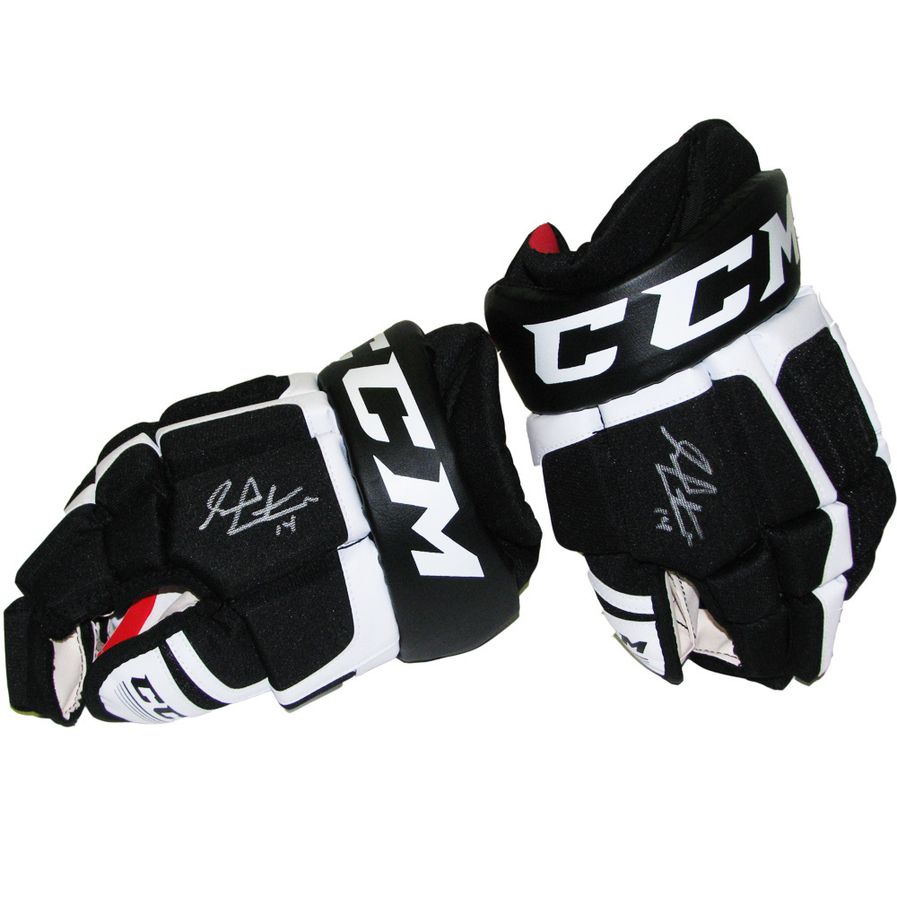 SEAN COUTURIER Signed Philadelphia Flyers Player Brand CCM Gloves