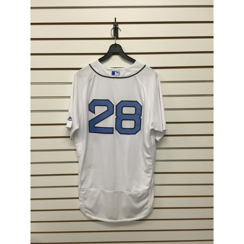 Photo of Robbie Ross Jr Game-Used 2016 Father's Day Home Jersey