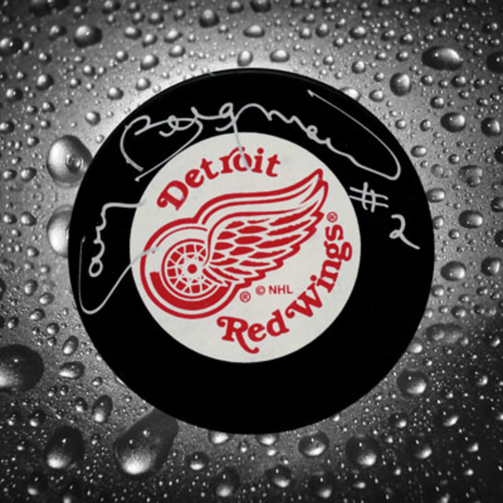 Gary Bergman Detroit Red Wings Autographed Puck
