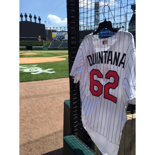 Photo of Jose Quintana Game-Used 2017 Mother's Day Jersey - Size 46