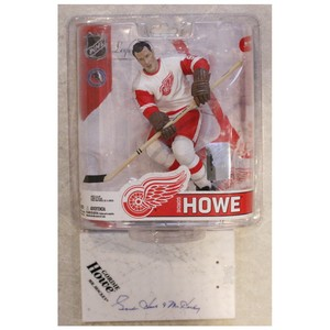 Gordie Howe Autographed Detroit Red Wings McFARLANE Figurine