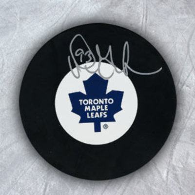 DOUG GILMOUR Toronto Maple Leafs Autographed Hockey Puck