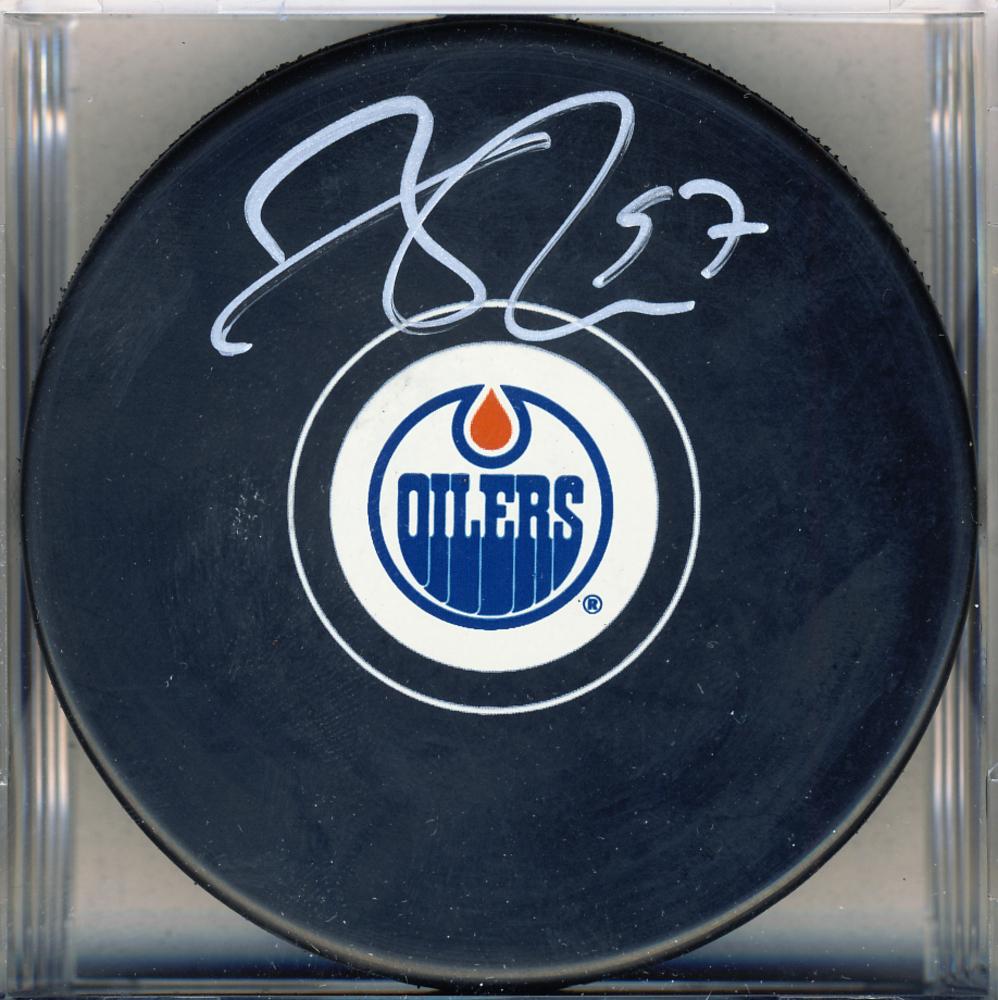 Connor McDavid Edmonton Oilers Autographed Hockey Puck