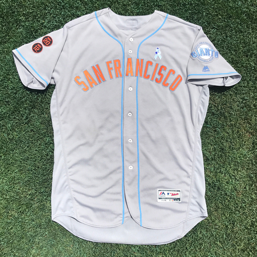 Photo of San Francisco Giants - Game-Used - 2016 Father's Day Jersey