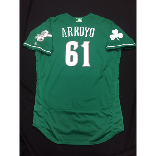 Photo of Bronson Arroyo -- Game-Used -- Irish Heritage Jersey -- Worn for Bronson Arroyo Farewell Game -- Red Sox vs. Reds -- 9/23/17