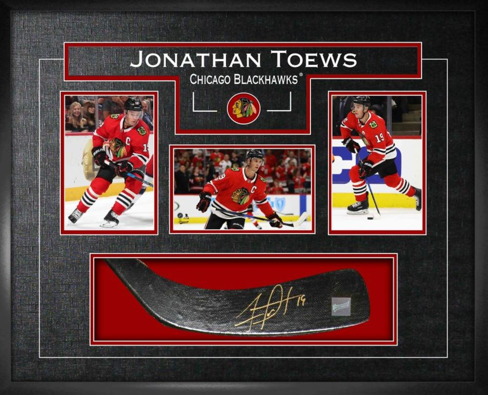Jonathan Toews - Signed Stickblade Blackhawks w/3-4x6 Photos
