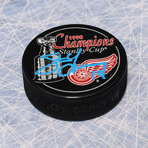 Steve Yzerman Detroit Red Wings Autographed 1998 Stanley Cup Puck