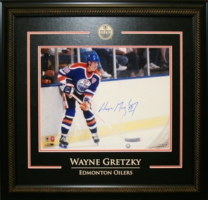 Wayne Gretzky - Signed & Framed 11x14 Etched Mat - Edmonton Oilers Blue In The Office
