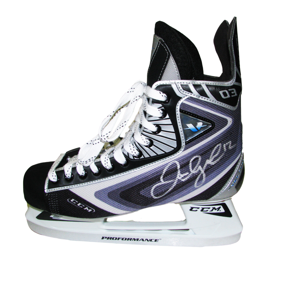 JAROME IGINLA Signed Los Angeles Kings CCM Model Skate