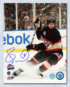 Dave Bolland Chicago Blackhawks Autographed 2009 Winter Classic 8x10 Photo