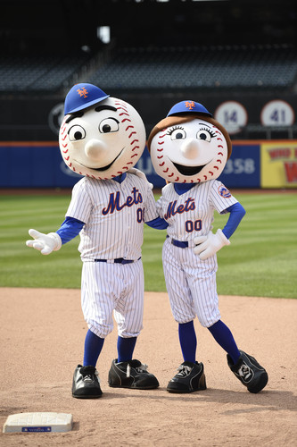 Photo of Amazin' Auction: Mr. AND Mrs. Met at Your Event  - Lot # 26