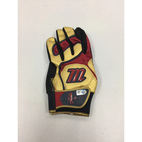 Photo of David Ortiz Autographed Game-Used August 18, 2016 Batting Glove