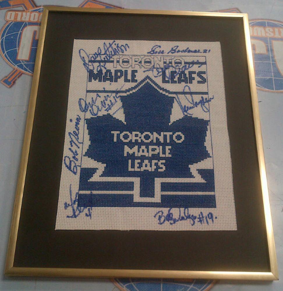 Toronto Maple Leafs AUTOGRAPHED Mini-Banner *8 SIGNATURES* *DRYDEN-NEVIN-DERLAGO-ETC*