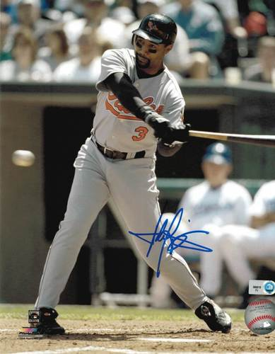 Photo of Harold Baines Autographed 8x10