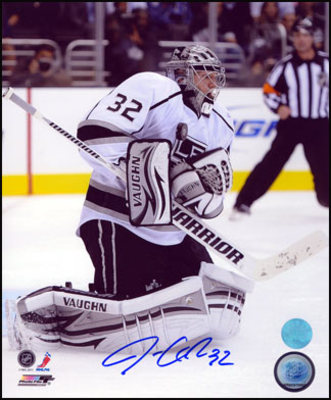 JONATHAN QUICK Los Angeles Kings SIGNED 8x10 Save Photo