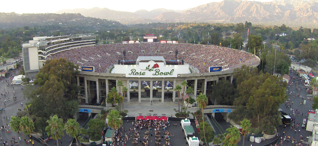 ROSE BOWL STADIUM FOOTBALL & PARADE EXPERIENCE ON NEW YEARS DAY - PACKAGE 1 of 6