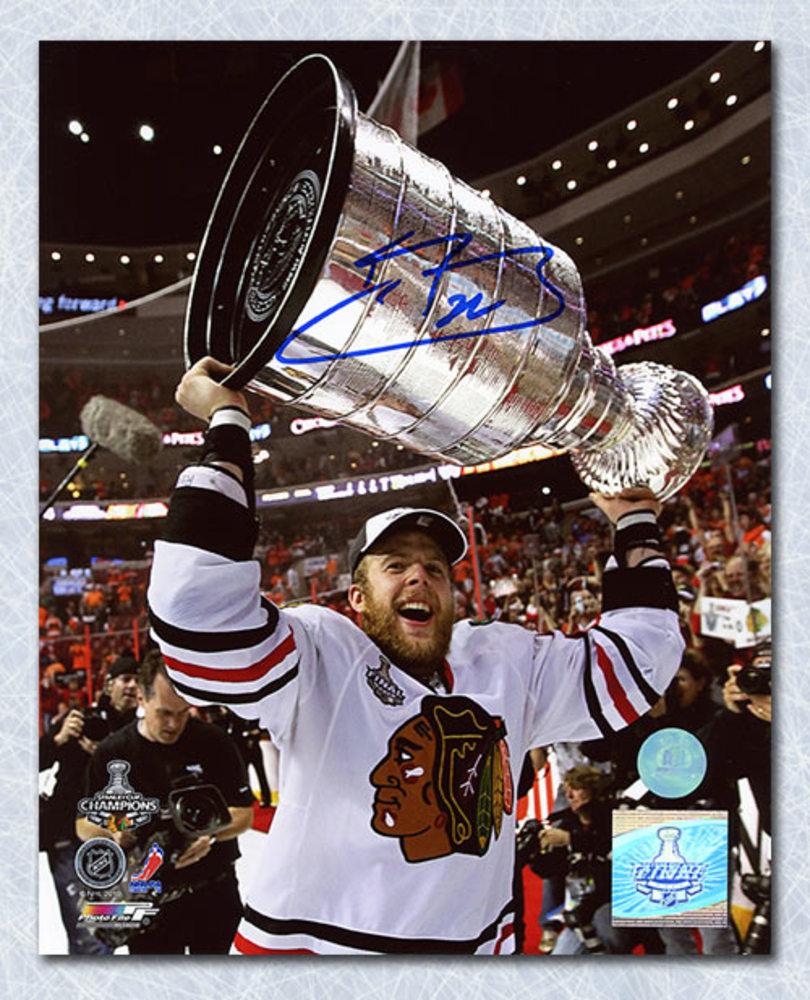 Kris Versteeg Chicago Blackhawks Autographed 2010 Stanley Cup 8x10 Photo