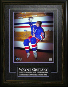 Wayne Gretzky - Signed & Framed 16x20 Etched Mat - New York Rangers Hanging Up Skates