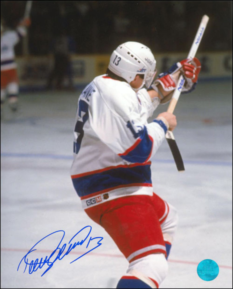 TEEMU SELANNE Autographed Winnipeg Jets 8x10 Rookie Record Shoting Photo