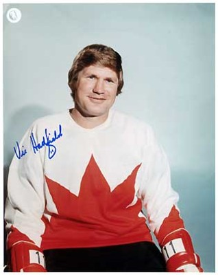 VIC HADFIELD 1972 Team Canada SIGNED 8x10 Photo
