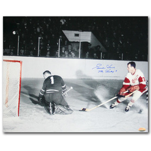 Gordie Howe Autographed Detroit Red Wings 16X20 Photo