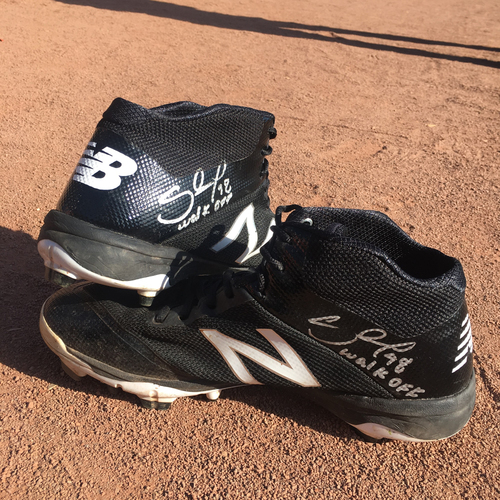 "Photo of San Francisco Giants - Autographed and Game-Used Cleats - Pablo Sandoval worn for his season ending Home Run on 10/1 - inscribed ""Walk-Off"""
