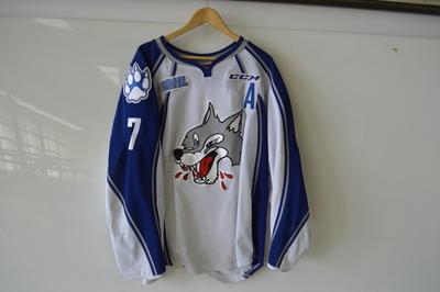 Reagan O'Grady white Sudbury Wolves jersey