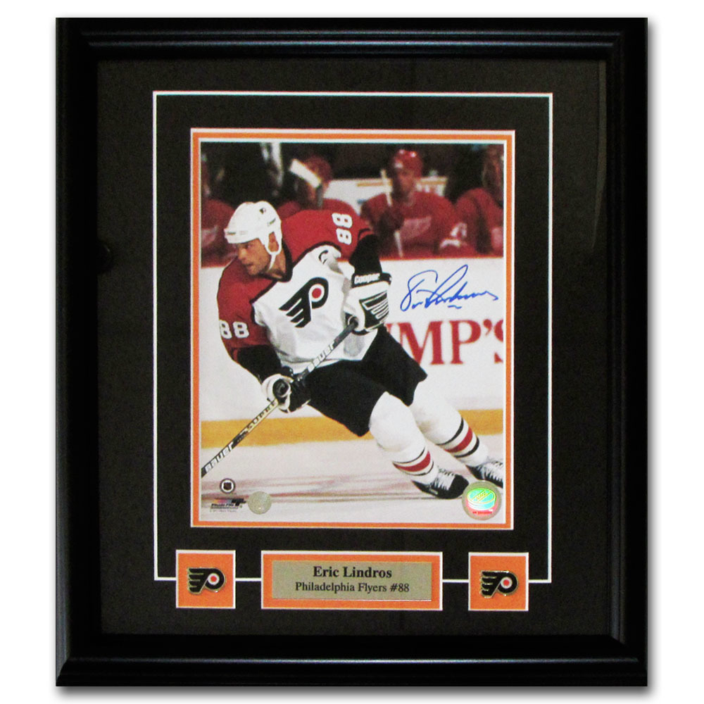 Eric Lindros Autographed Philadelphia Flyers Framed 8X10 Photo