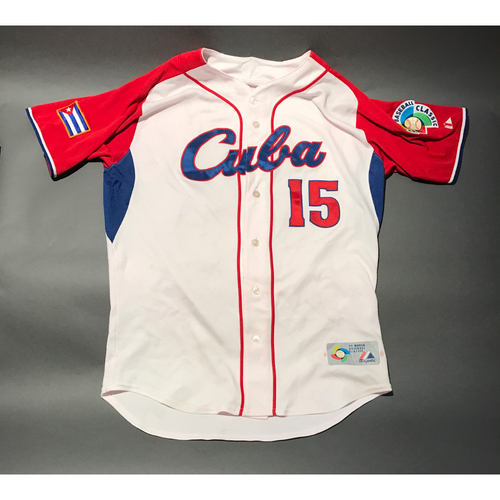 Photo of 2009 World Baseball Classic Jersey - Cuba Jersey, Betancourt #15