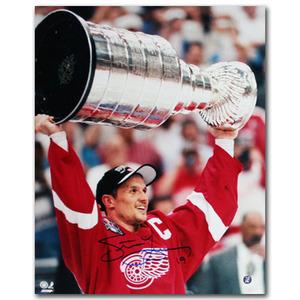 Steve Yzerman Autographed Detroit Red Wings 1998 Stanley Cup 16X20 Photo