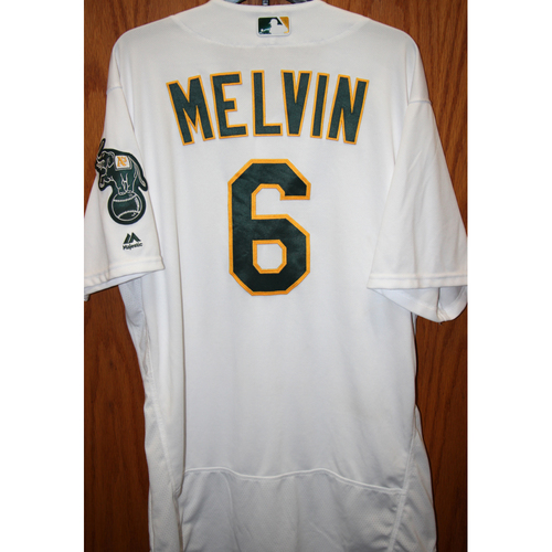 """Photo of Bob Melvin Game-Used """"Atleticos"""" Jersey"""
