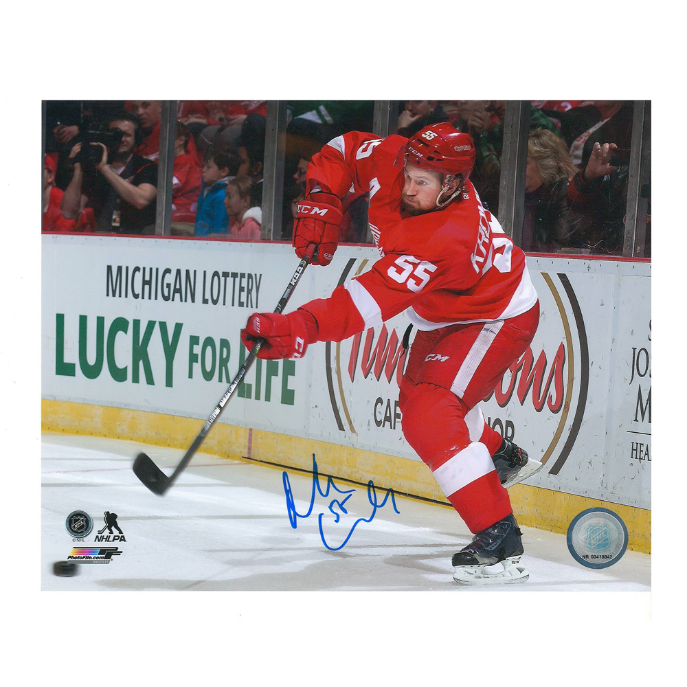NIKLAS KRONWALL Signed Detroit Red Wings 8 X 10 Photo - 70152 A