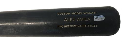 Photo of Alex Avila Team-Issued Cracked Bat -- 8/14/17