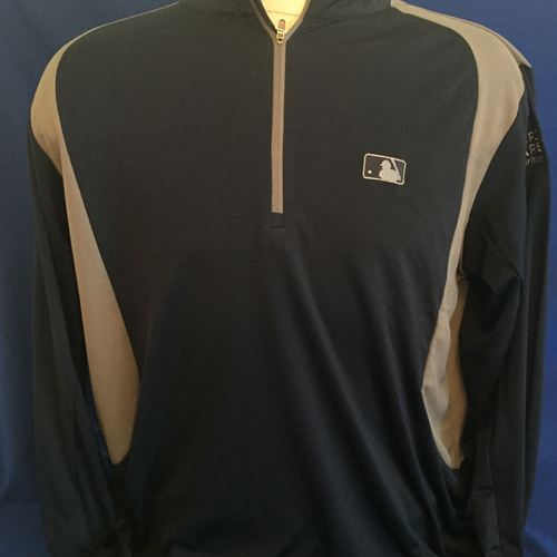 Photo of UMPS CARE AUCTION: MLB/UMPS CARE Logo Antigua Delta Quarter-Zip Pullover, Navy with Gray, Size XL
