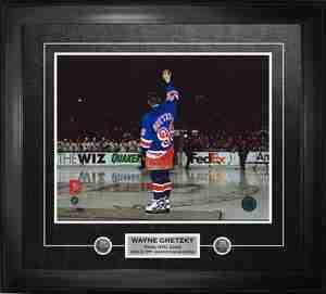 Wayne Gretzky - Framed 11x14 Etched Mat - New York Rangers Farewell Wave
