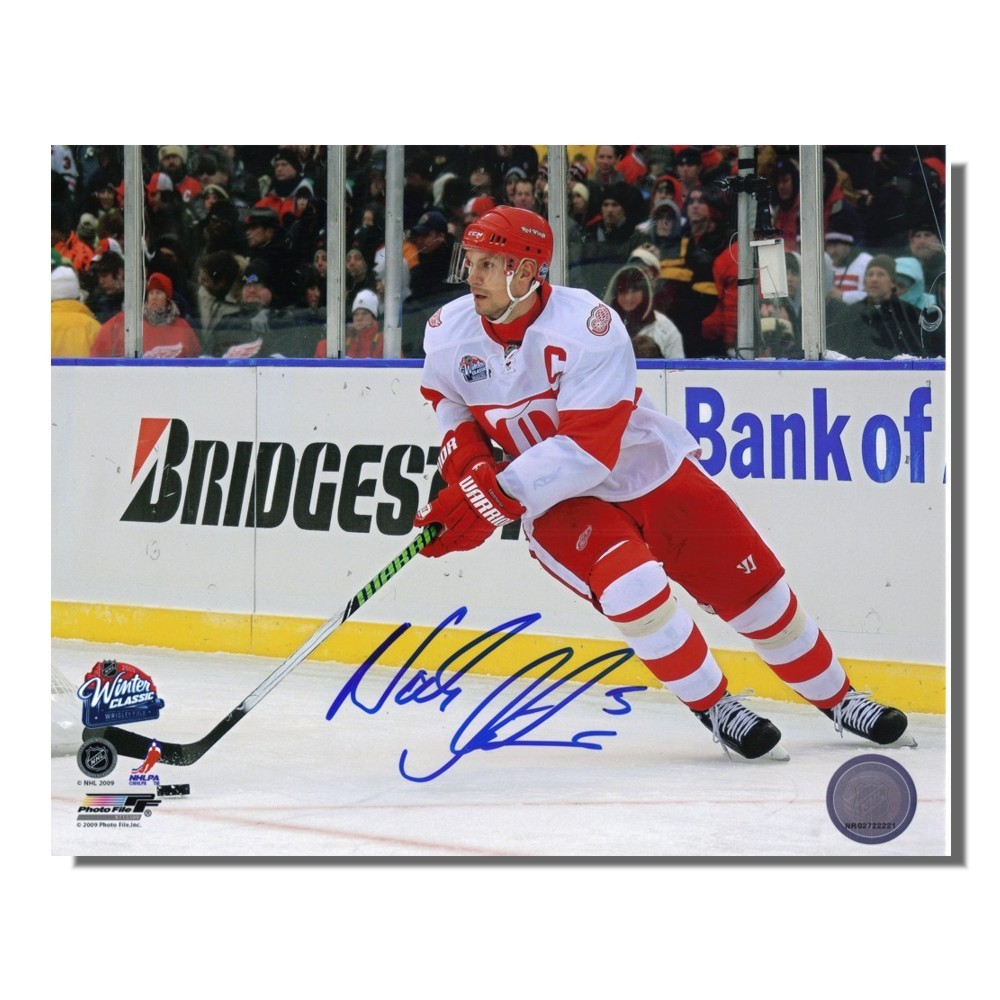 Nick Lidstrom Autographed Detroit Red Wings 2009 Winter Classic 8x10 Photo
