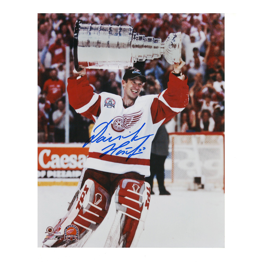 DOMINIK HASEK Signed Detroit Red Wings 8 X 10 Photo - 70198
