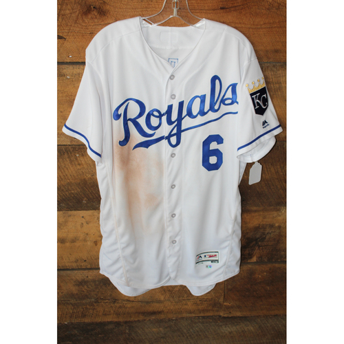 Photo of Game-Used Jersey: Lorenzo Cain 747th Career Hit, 748th Career Hit, 749th Career Hit (Size 46 - SEA at KC - 8/6/17 - Game 2)