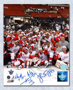 Datsyuk, Cleary, Kronwall & Franzen Detroit Red Wings 2008 Signed 8x10 Photo