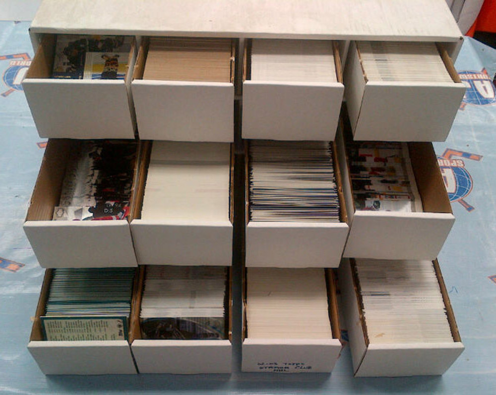 MONSTER CONDO BOX OF HOCKEY CARDS *Assorted Cards from the 90's* *APPORX 6000!* *GRETZKY, LEMIEUX, YZERMAN, MESSIER, ETC*